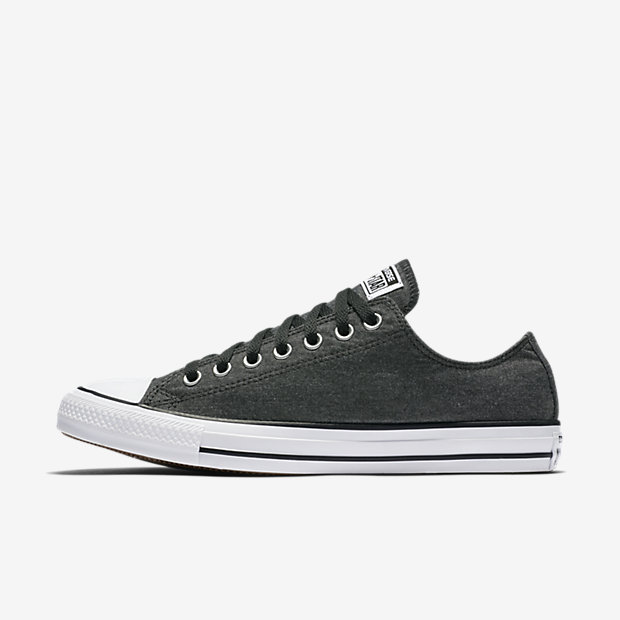 Converse Chuck Taylor All Star Washed Chambray Low Top Unisex Shoe.